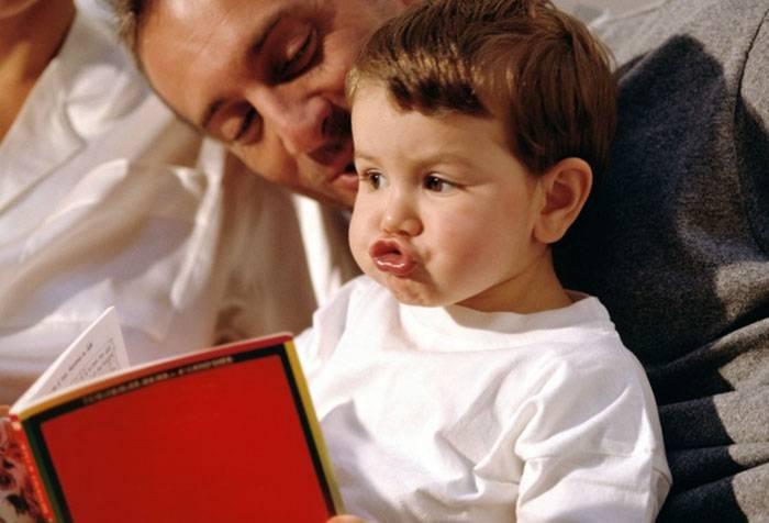 Ребенок учится произносить шипящие звуки