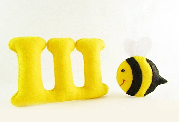 Буква Ш и пчела из фетра