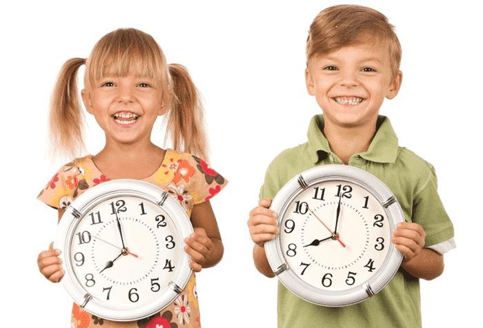 Дети с часами