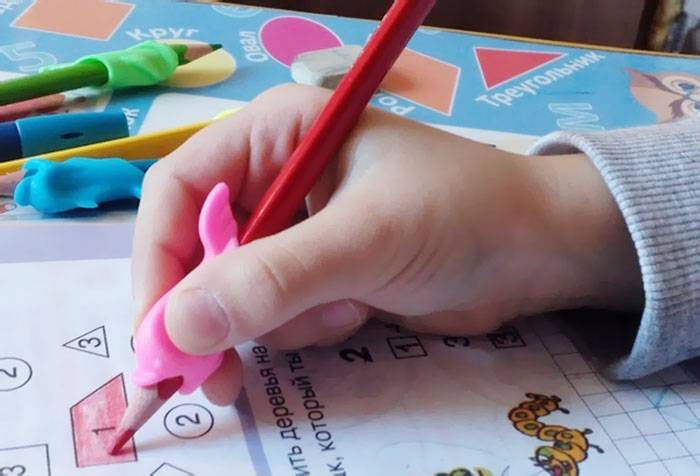 Насадка для правильного захвата карандаша