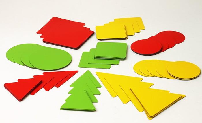 Набор геометрических фигур из картона