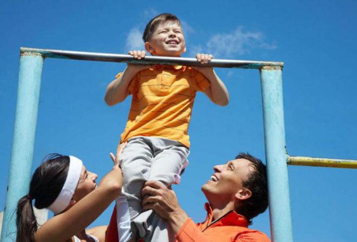 Как научить ребенка подтягиваться на турнике с нуля