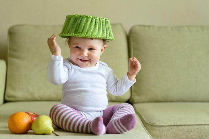 Режим дня ребенка в 7 месяцев: сон и занятия с малышом, режим питания ребенка и уход за ребенком в 7 месяцев