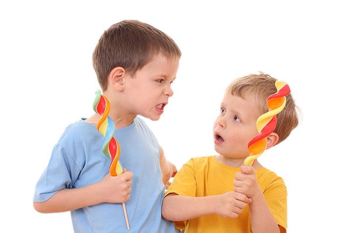 Дети спорят
