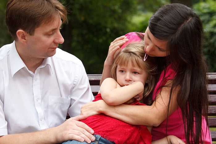 Семья с маленькой дочкой