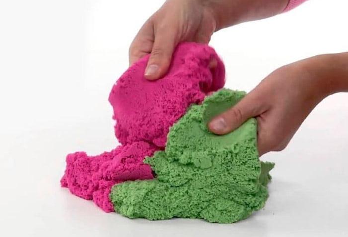 Разноцветный кинетический песок