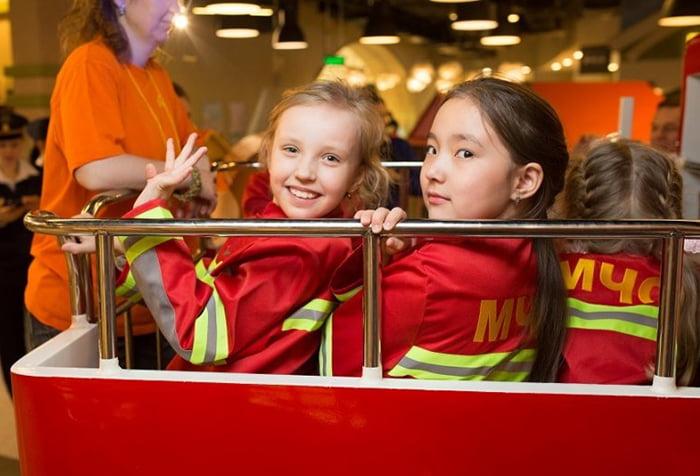 Дети знакомятся с работой МЧС