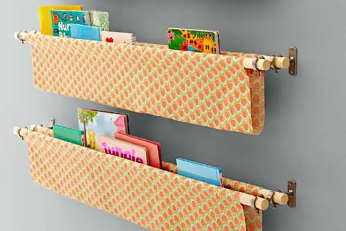 Самодельные полки для детских книг
