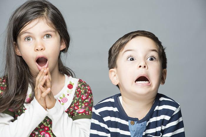 Дети изображают эмоции