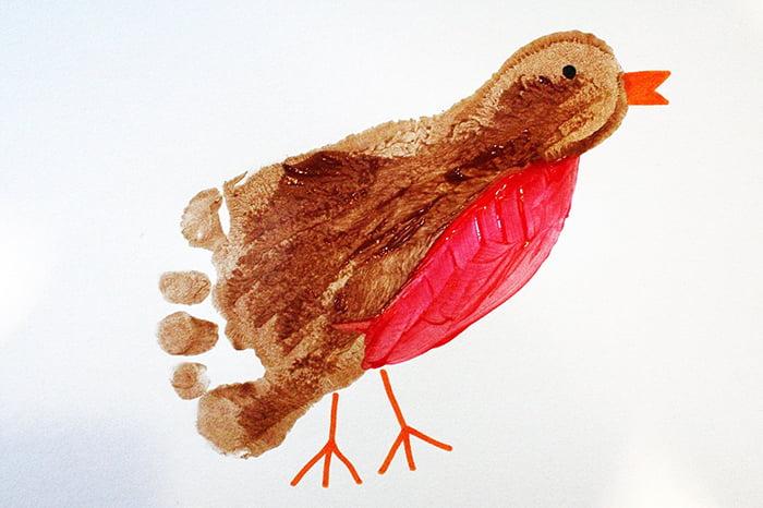 Птичка из отпечатка детской ступни