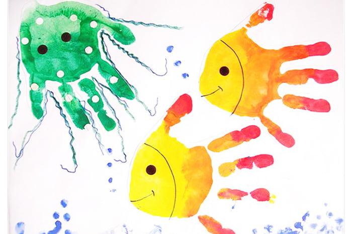 Рыбки из отпечатков ладоней