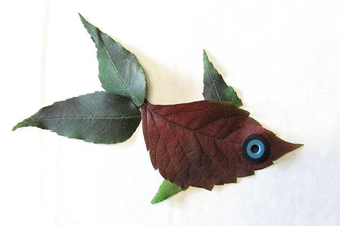 """Аппликация из осенних листьев """"Рыбка"""""""