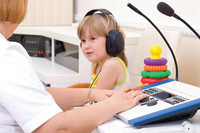 Обследование ребенка с проблемами слуховой системы
