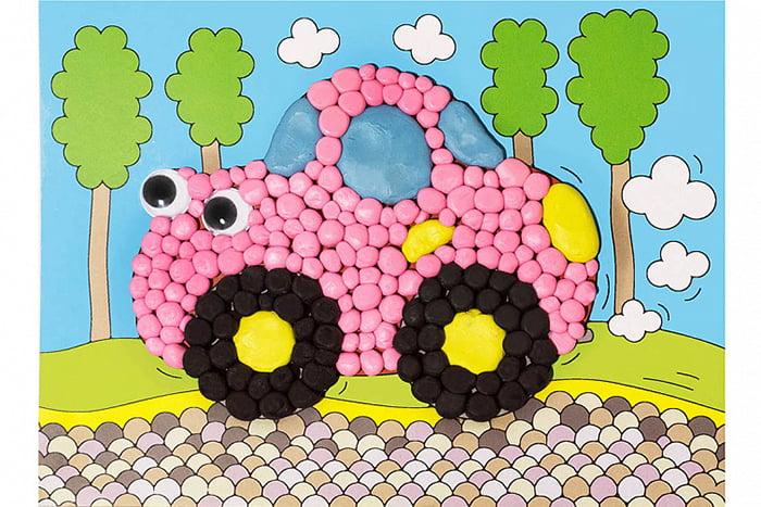 Машинка из пластилиновых шариков