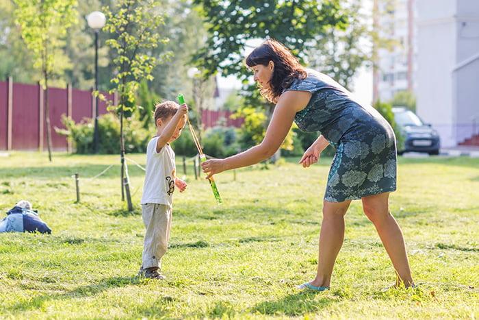 Подвижные игры с ребенком на свежем воздухе