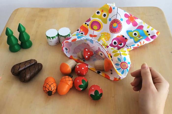 Парные игрушки в мешочке