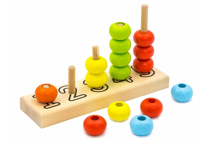 Игрушка на основе пирамидки для изучения счета