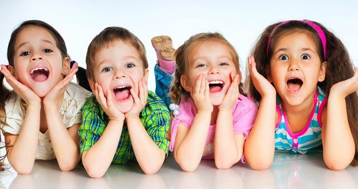 Дети говорят одновременно