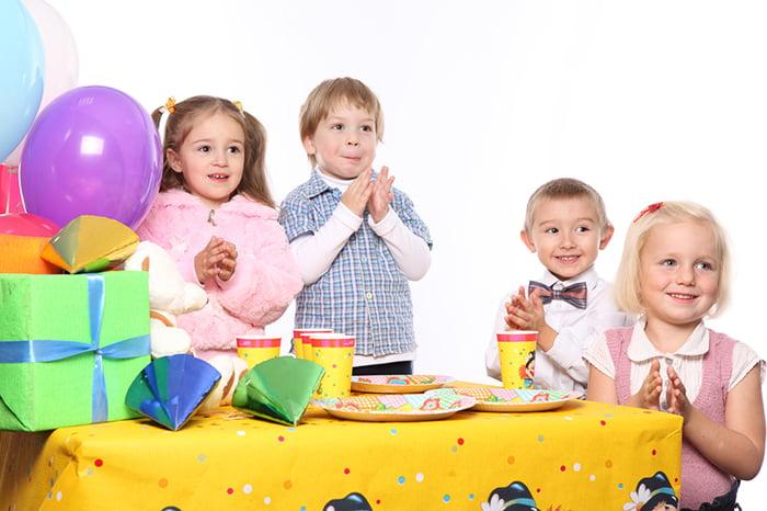 Дети хлопают в ладоши