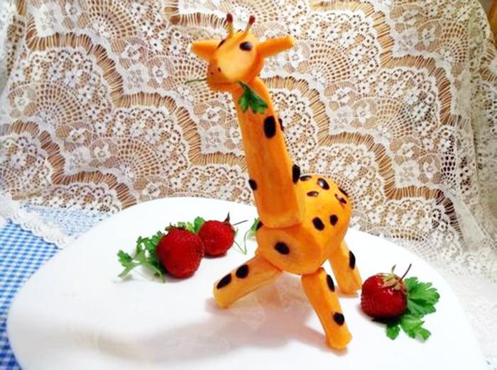 Жираф из моркови