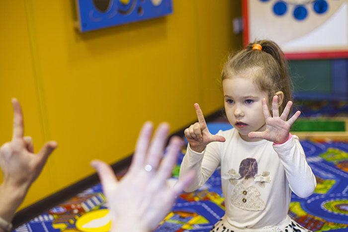 Пальчиковая игра с ребенком на развитие памяти