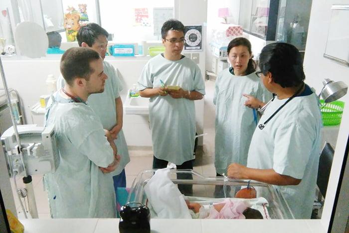 Консилиум врачей в роддоме