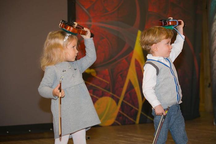 Дети со скрипками