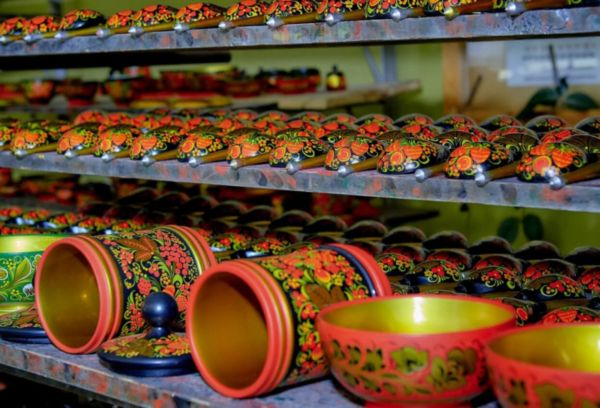 Хохломская деревянная посуда