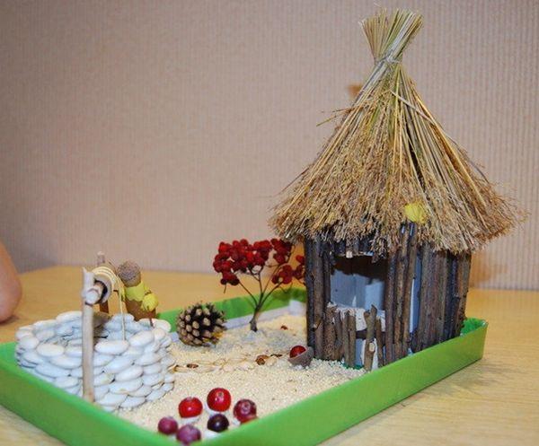 Дом из веток и соломы
