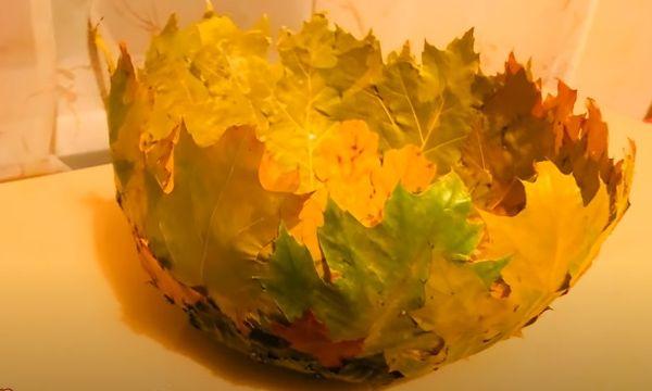 Ваза из осенних листьев 6