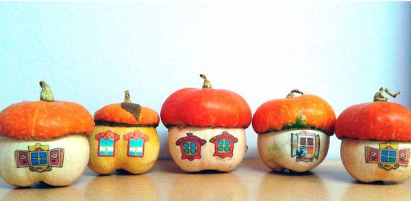 Домики из декоративных тыкв